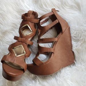 "6"" cutout wedge heels"